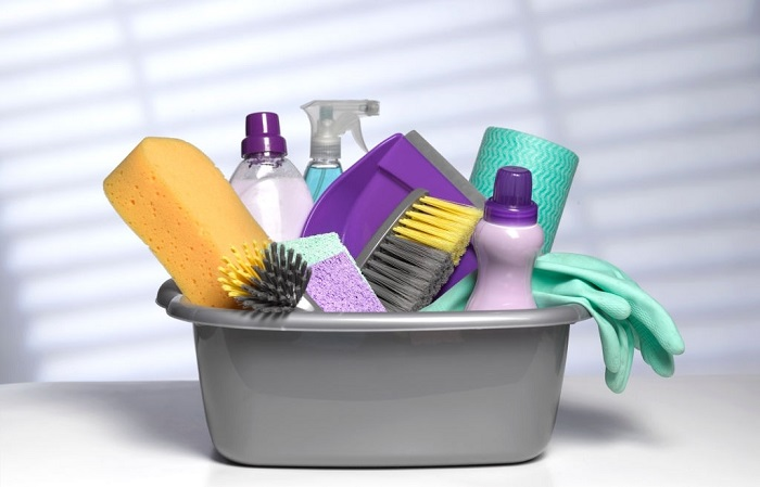 Top 10 cleaning tools every home should have